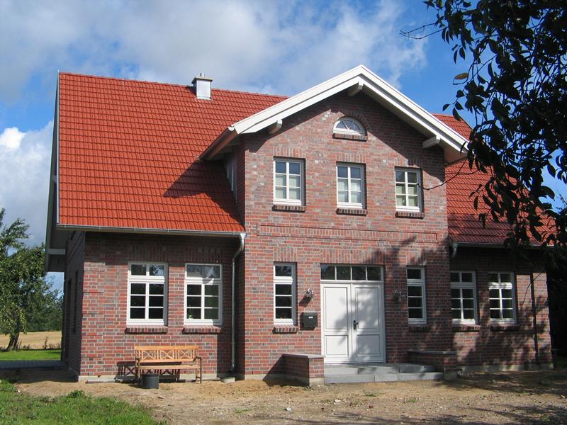 Modernes Landhaus in alt anmutenden Gewand